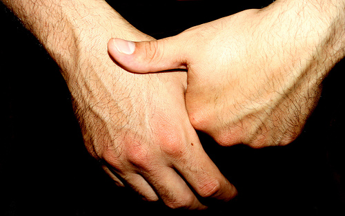 Simple Way to Solve Your Finger Problem with Doing Easy Crack Your Knuckles Loudly