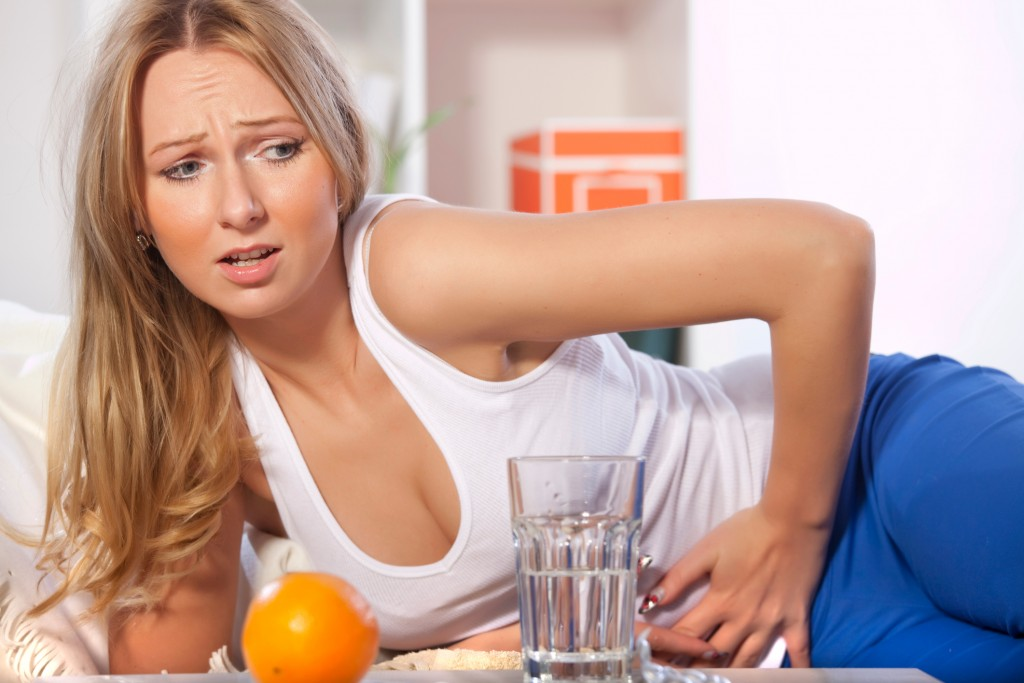 Best Tips To Solve The Problem of Stomach Pain After Eating By Drinking Water