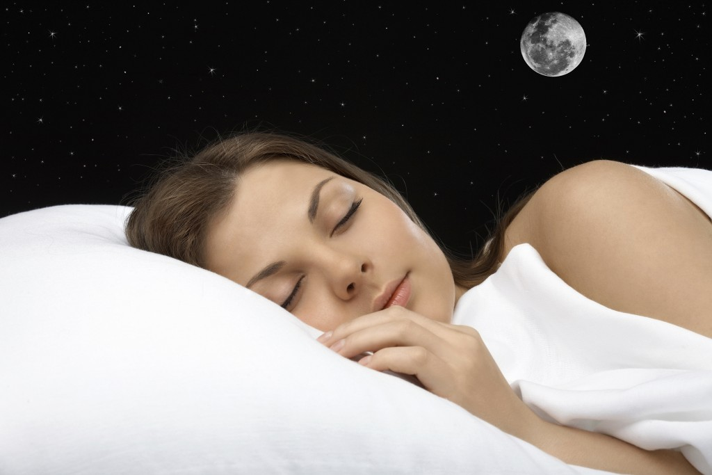 Best Ways about How To Fall Asleep Fast at Night By Using Smooth Pillow Design