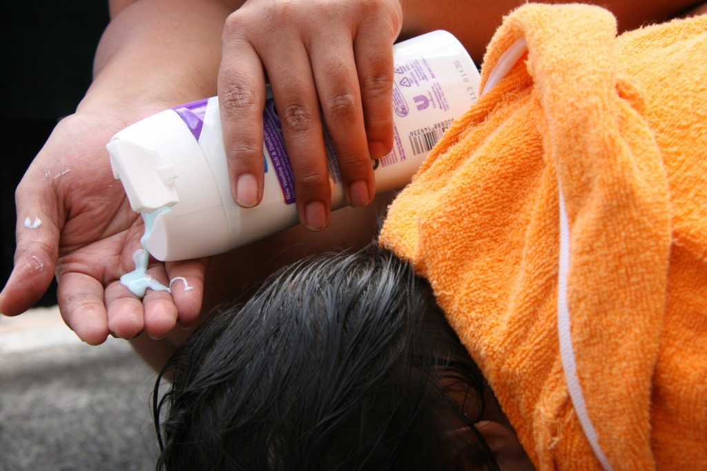 Fantastic Treatment For Nice How To Get Rid Of Lice By Using Best Samphoo Every day