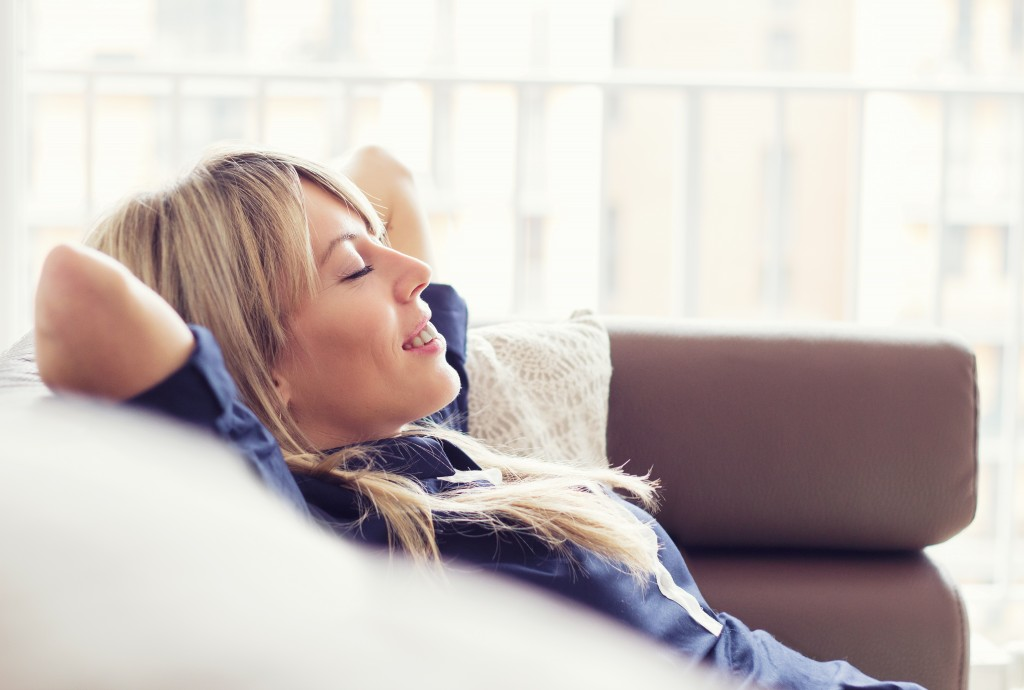 Nice Treatment about How To Get Rid of Heartburn By Sit Down and Sleep at sofa