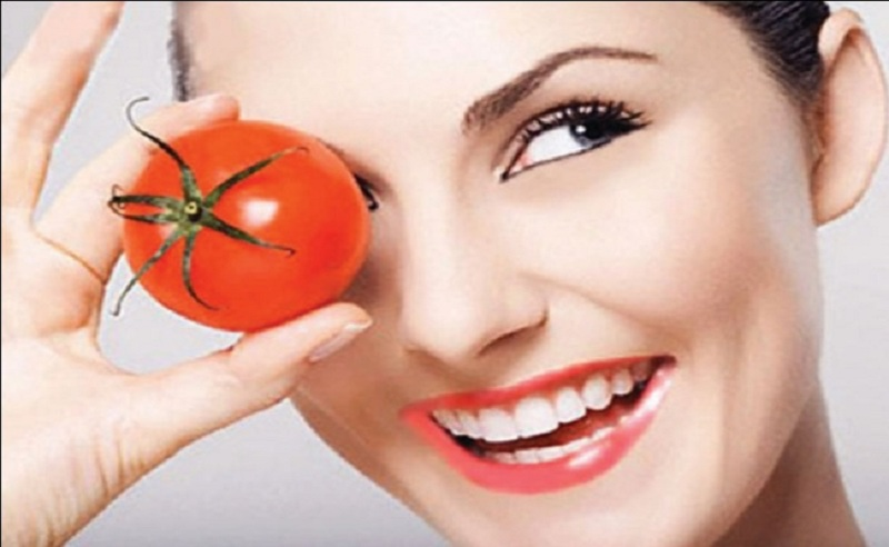 (4) Interesting Red Tomato Ingredient as Amazing Home Remedies for Aging Eyes with Easy and Fast Application